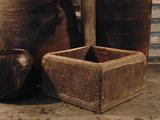 """Sober Chinees oud houten bakje """"B""""_"""