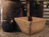 """Sober Chinees oud houten bakje """"C""""_"""