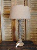 Lamp op voet van hout, 64 cm hoog