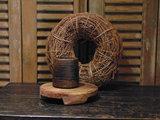"""Oude Nepalese houten bakje """"I"""", 9,5cm"""