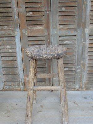 Stoere oude ronde Chinese kruk