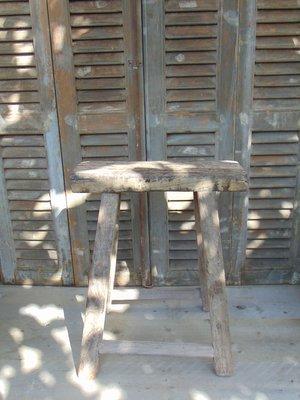Stoere oude Chinese kruk