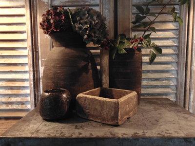 Sober Chinees oud houten bakje