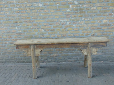 "Sober oud Chinees houten bankje ""E"""