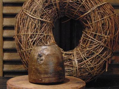 """Oude Nepalese houten bakje """"H"""", 9cm"""