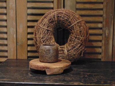 """Oude Nepalese houten bakje """"K"""", 9cm"""