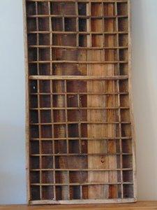"""Oude letterbak uit India van Teakhout """"B"""" 90 x 37cm"""